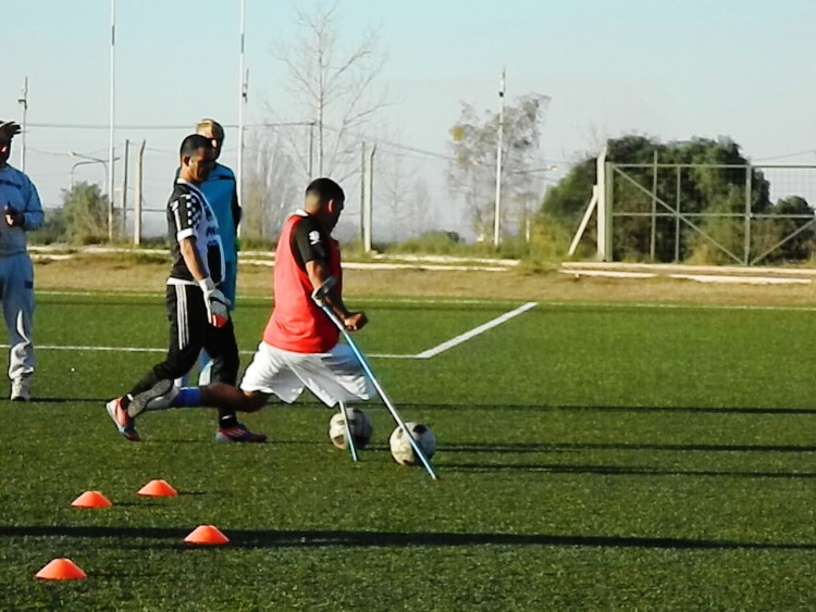 Plantel nacional de Fútbol para Amputados paso por la UNCuyo
