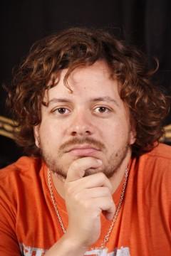 Juan Emilio Cucchiarelli (pianista, arreglador y compositor)