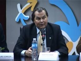 Dr. Gustavo Kent