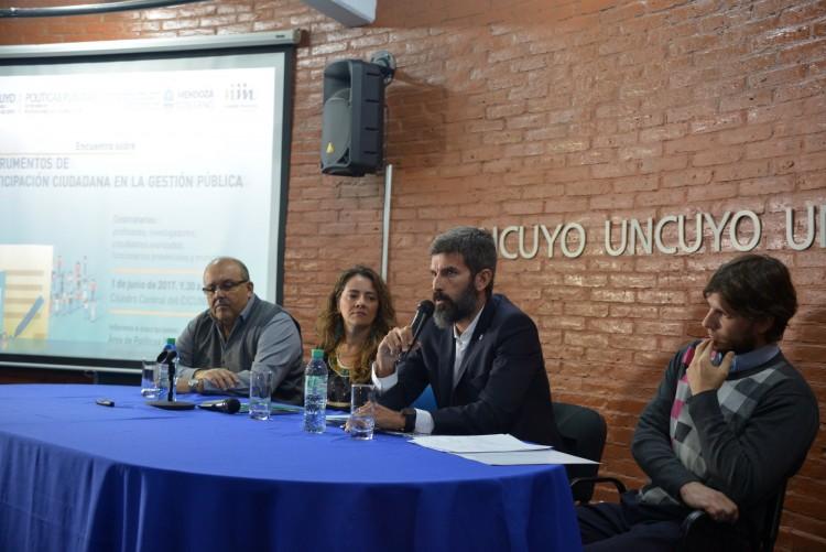 Especialistas debatieron sobre la nueva participación ciudadana