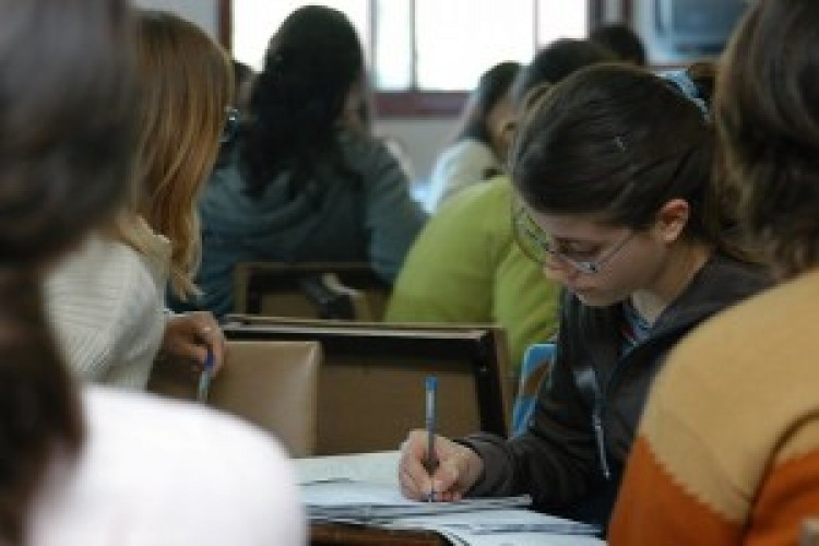 Inscriben para becas a estudiantes de la UNCuyo