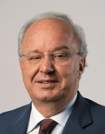 Honoris Causa póstumo para destacado egresado de Ciencias Económicas