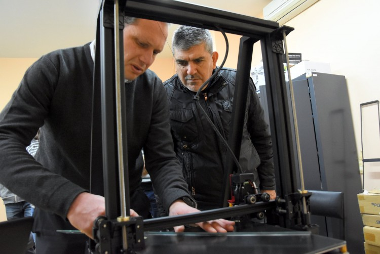 Aplicarán innovación tecnológica 3D para fabricar prótesis en el Lencinas