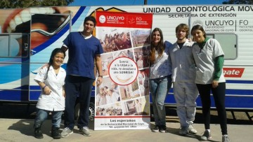 Odontólogos a domicilio para pobladores de Ñacuñan