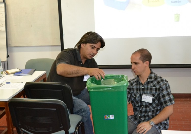 Enseñan al personal cómo gestionar residuos sólidos