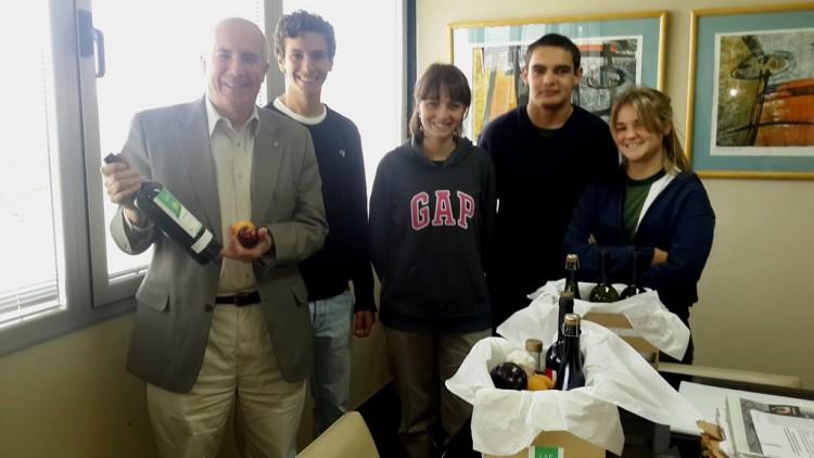 Chicos del Liceo Agrícola compartieron sus productos con autoridades