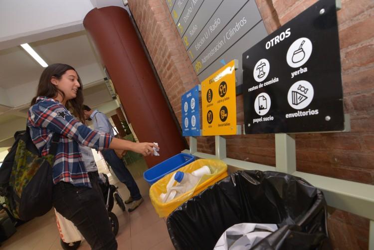 La Universidad separa y recicla sus residuos