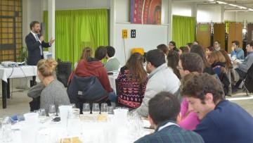Universitarios se preparon para ser embajadores en el mundo