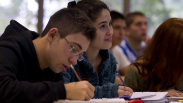 La Universidad acercó carreras y cursos a los departamentos