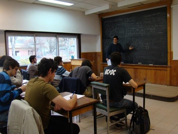Oportunidad para publicar artículos sobre políticas públicas en la UNCuyo