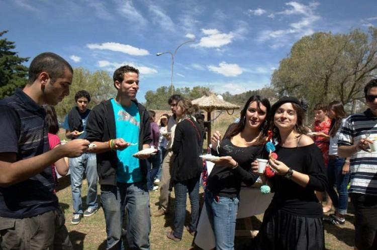 Darán la bienvenida a estudiantes que vienen de otros países a estudiar en la UNCuyo