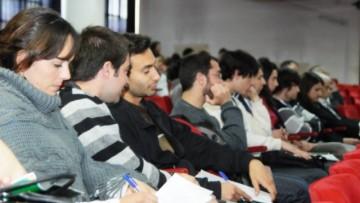 Ayudan a conseguir becas para estudiar en universidades de todo el mundo