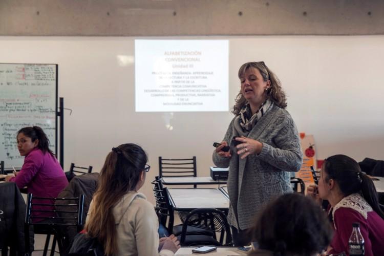 Reflexionarán sobre el rol de la mujer en las aulas