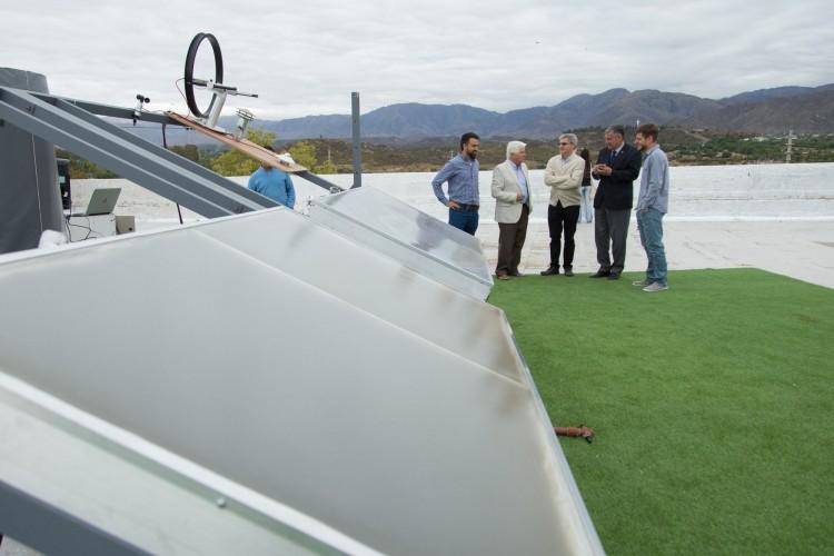Se puso en marcha un banco de ensayos para medir la eficiencia de equipos solares