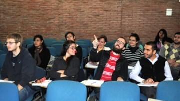 Delegaciones de tres países en la sesión presencial de la Cátedra Latinoamericana
