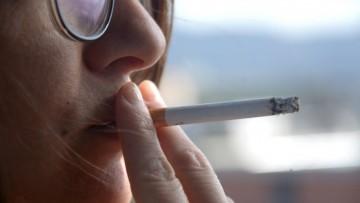 Capacitan a profesionales de la salud para que ayuden a pacientes a dejar de fumar