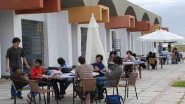 Fiesta primaveral con estudiantes extranjeros en el Comedor de la UNCuyo