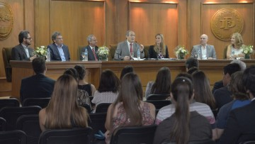 Estudiantes compiten en simulacro de juicio ante la Corte Interamericana de DDHH