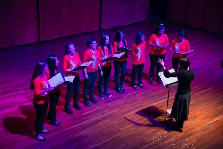 Coros mendocinos despliegan sus voces en la Nave