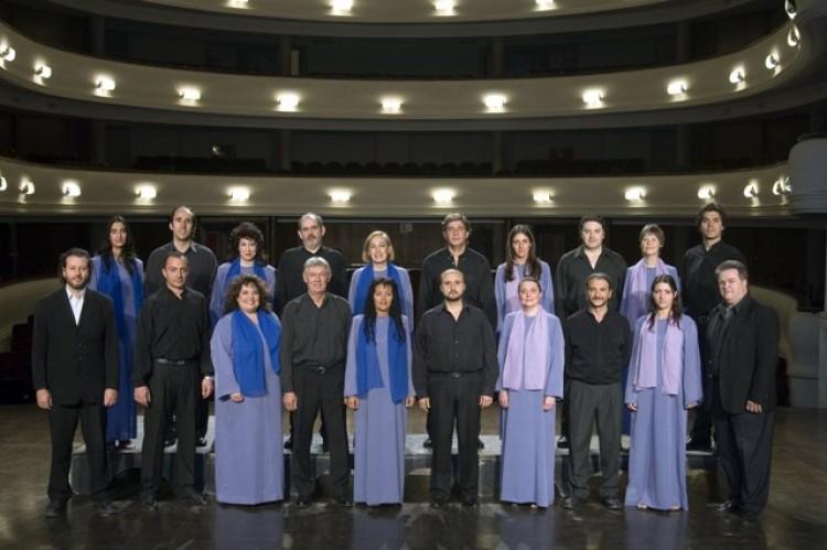 Coros Universitario y de Cámara, José Carreras y Verónica Cangemi, juntos en un espectáculo