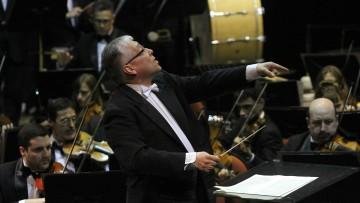 El reconocido maestro David del Pino dirigirá a la Orquesta Sinfónica