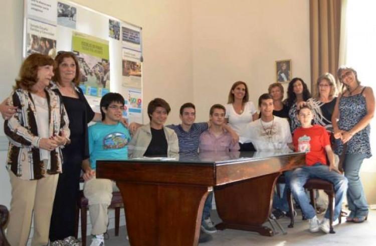 Delegación argentina viajó a la India para competir en Olimpíada de Ciencias