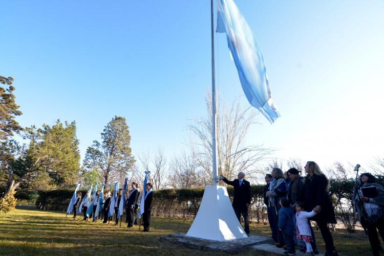 El día de la Bandera se celebró en Agrarias
