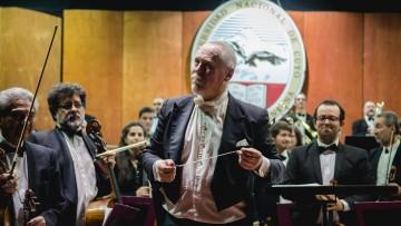 Reconocido maestro argentino dirigirá a la Sinfónica en concierto
