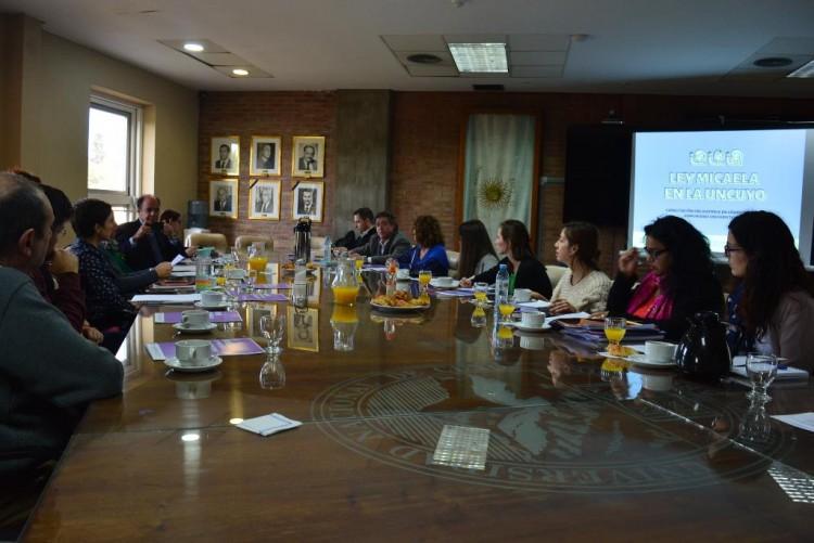 UNCUYO avanza en el plan de implementación de la Ley Micaela