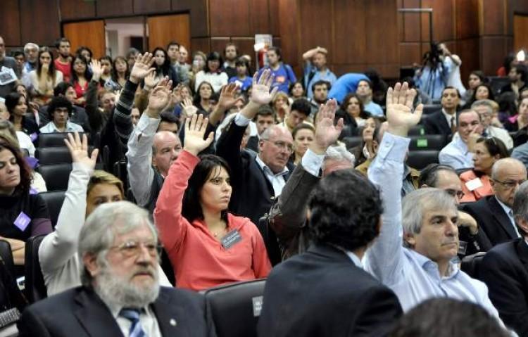 Invitan a publicar sobre la Reforma Universitaria