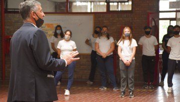 Regreso progresivo a la presencialidad: el Rector Pizzi recorrió escuelas de la UNCUYO