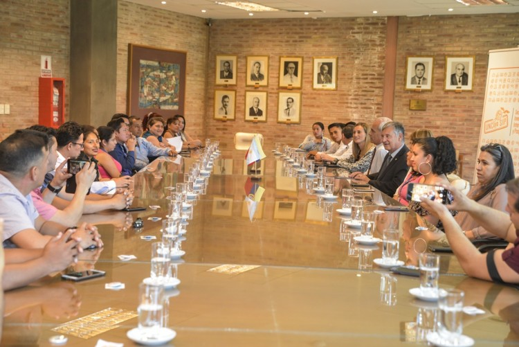 Delegación ecuatoriana comienza programa doctoral en la Universidad