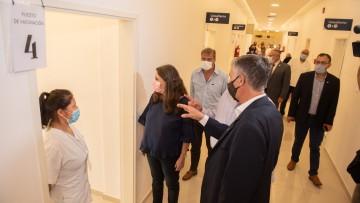 Pizzi inauguró el Vacunatorio Central de la UNCUYO