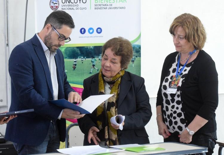 Distinguieron a médica cubana como Visitante Ilustre de la UNCuyo