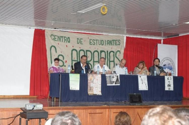 Agrarias homenajeó a estudiantes y docentes castigados, suspendidos y desaparecidos