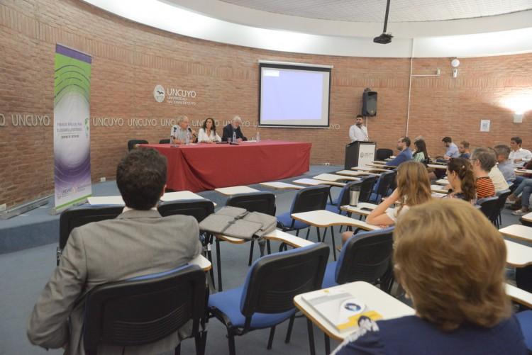 Expertos debatieron sobre yacimientos no convencionales en Mendoza