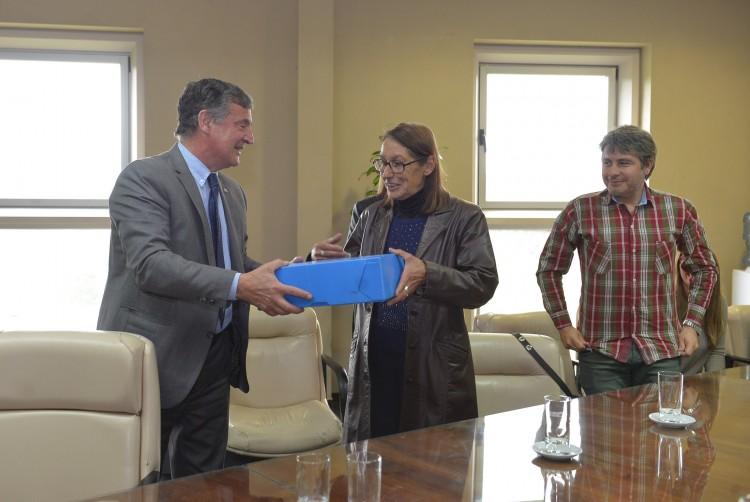 UNCuyo restituyó material del Ex D2 a Organismos de DDHH