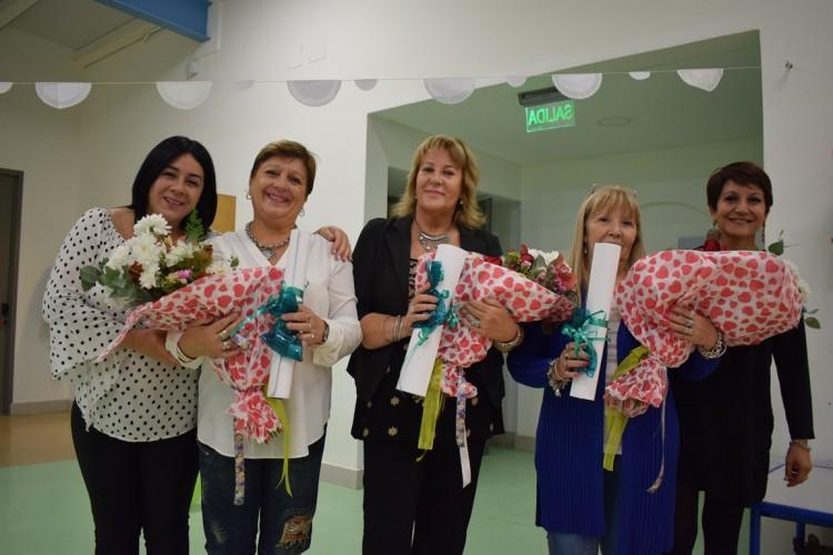 Homenajearon a personal del Jardín Maternal Caritas Dulces