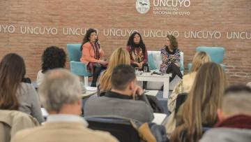 La UNCUYO analizó la trayectoria profesional de sus egresados