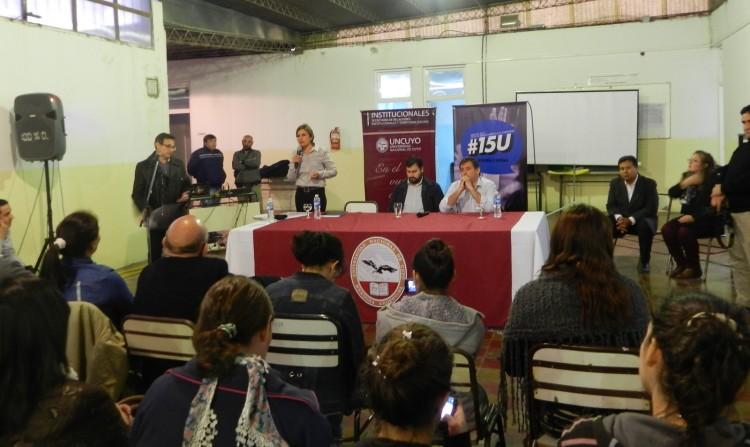 Candidatos a intendente debatieron en Santa Rosa