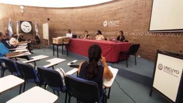 Pizzi presidió el acto licitatorio para que la Facultad de Educación tenga su nuevo edificio de aulas