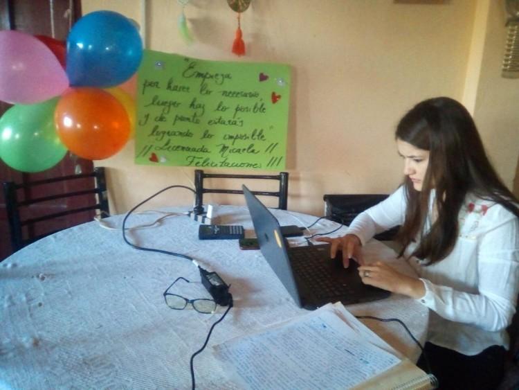 Garantizar la educación: primera egresada de la UNCUYO en Cuarentena