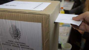 Reciben ponencias para jornadas sobre Transparencia Electoral