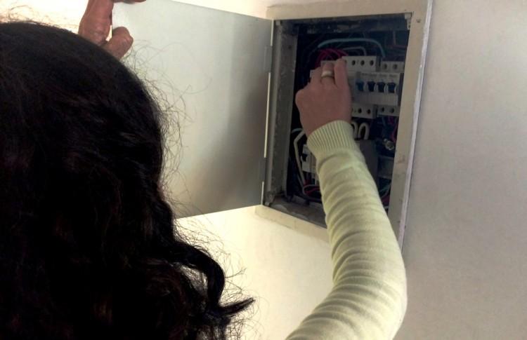 Mujeres podrán capacitarse en electricidad