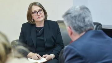 Embajadora de Finlandia hablará de las políticas que aplicó su país ante la pandemia