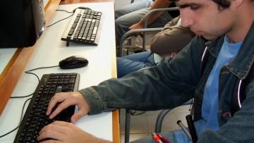 Encuesta estudiantil académica: disponible en formatos accesibles