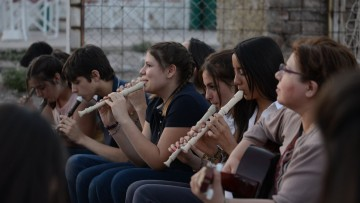 Formarán a niños y adolescentes para tocar instrumentos musicales