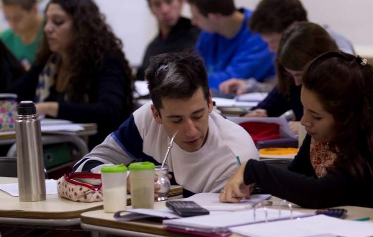 Inscriben en el Valle de Uco para carreras de la Facultad de Ciencias Exactas y Naturales