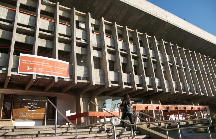 El Consejo Directivo de Ciencias Políticas y Sociales solicitó la exoneración de Mauro Aguirre
