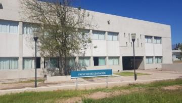 Educación realiza aclaraciones sobre título y matrícula de licenciados en Terapia del Lenguaje